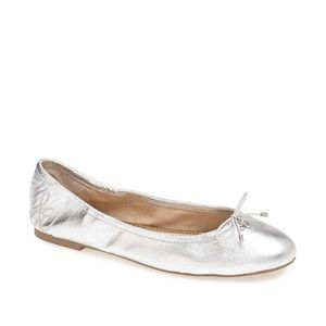 SAM EDELMAN Felicia Soft Silver Leather Flats.
